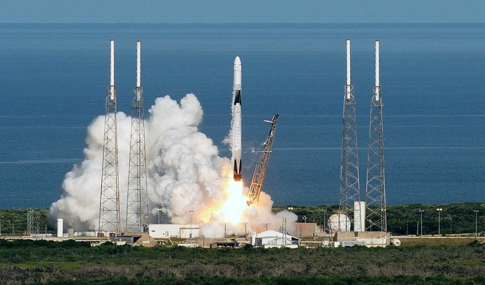 SpaceX Planning To Launch 30,000 Additional Starlink Global Internet Satellites
