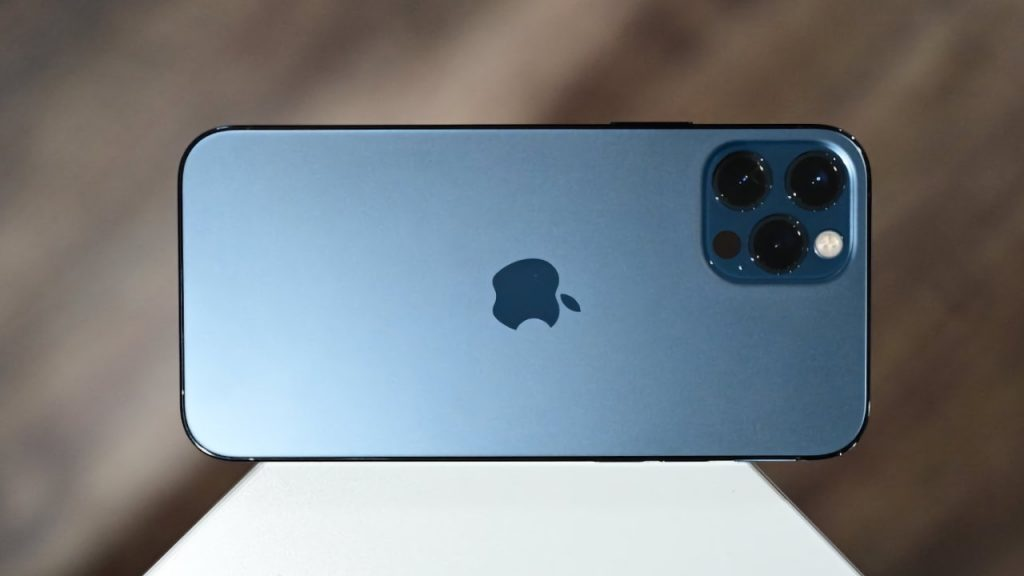 iPhone 12 active user base grew faster than iPhone 11, despite later start